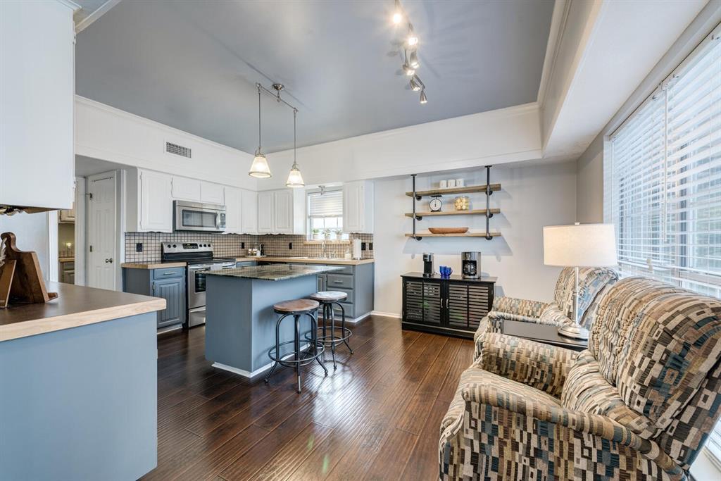 6737 Moss Lane, North Richland Hills, Texas 76182 - acquisto real estate best highland park realtor amy gasperini fast real estate service