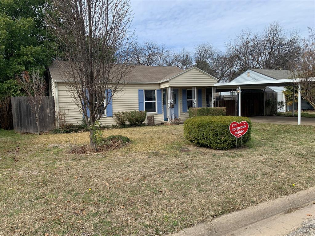 611 Worthview Drive, River Oaks, Texas 76114 - Acquisto Real Estate best plano realtor mike Shepherd home owners association expert