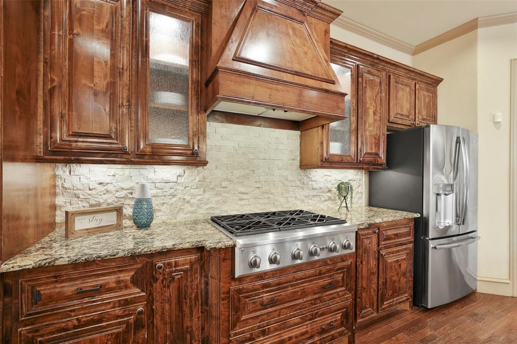 1054 Shadyside Lane, Dallas, Texas 75223 - acquisto real estate best new home sales realtor linda miller executor real estate
