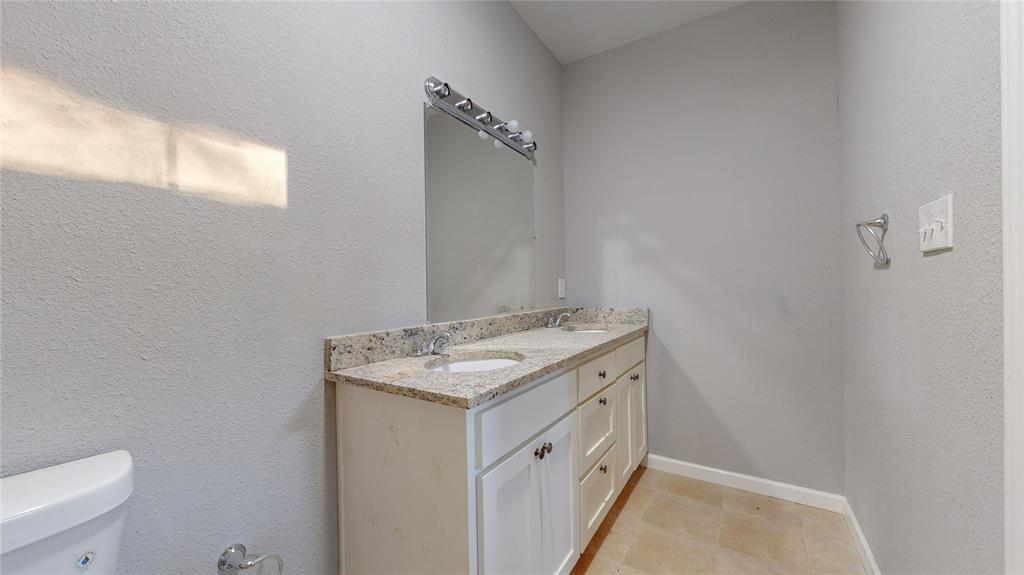 4835 Burnside Avenue, Dallas, Texas 75216 - acquisto real estate best designer and realtor hannah ewing kind realtor