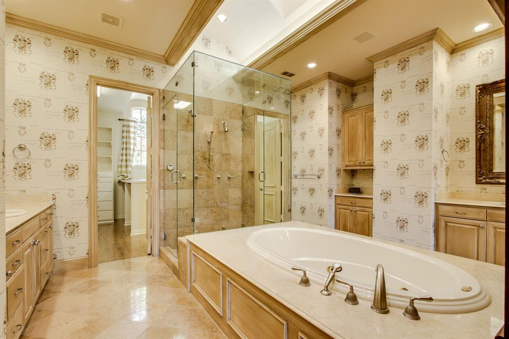 401 Fall Creek Drive, Richardson, Texas 75080 - acquisto real estate best frisco real estate broker in texas for high net worth buyers