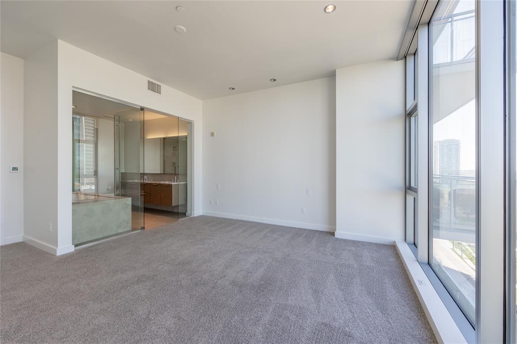 2900 Mckinnon  Street, Dallas, Texas 75201 - acquisto real estate best negotiating realtor linda miller declutter realtor