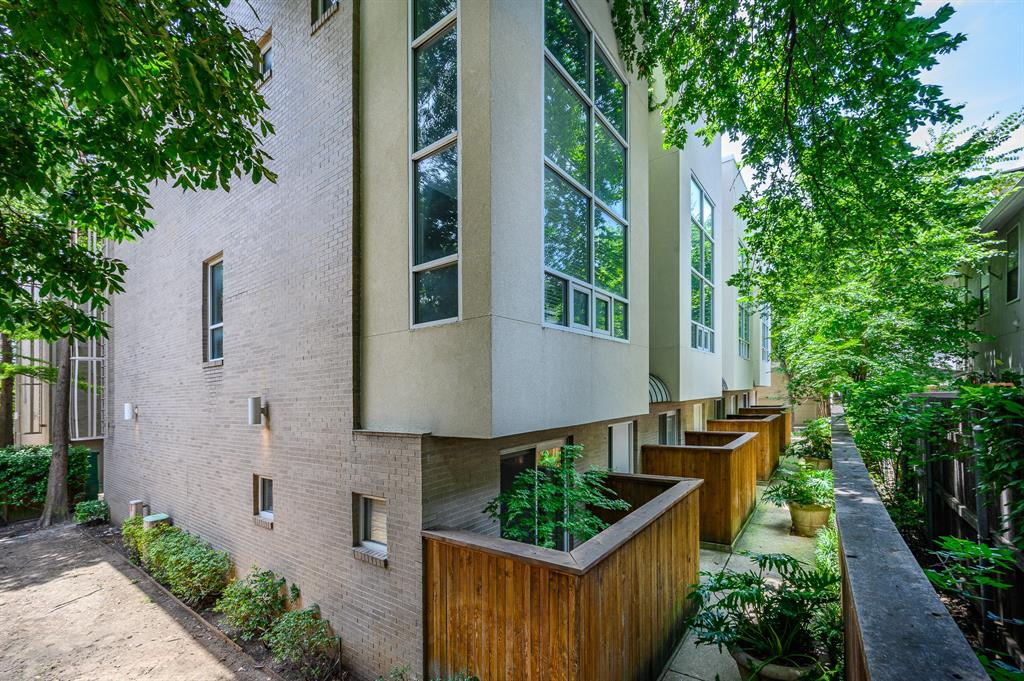4100 Travis Street, Dallas, Texas 75204 - Acquisto Real Estate best plano realtor mike Shepherd home owners association expert