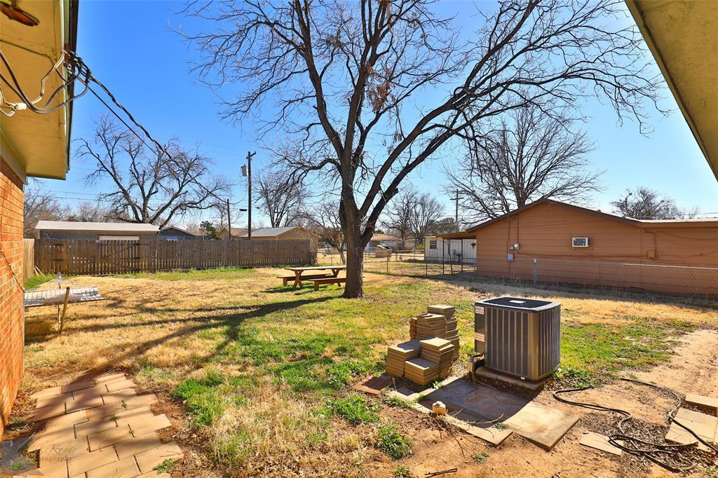 1102 Avenue K Haskell, Texas 79521 - acquisto real estate nicest realtor in america shana acquisto