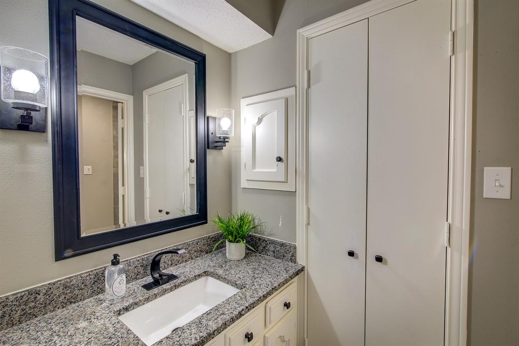 6932 Allview Lane, Dallas, Texas 75227 - acquisto real estaet best boutique real estate firm in texas for high net worth sellers