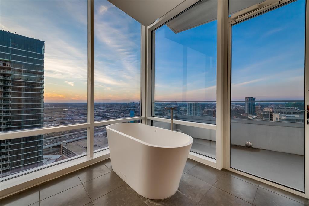 2430 Victory Park Lane, Dallas, Texas 75219 - acquisto real estate best looking realtor in america shana acquisto