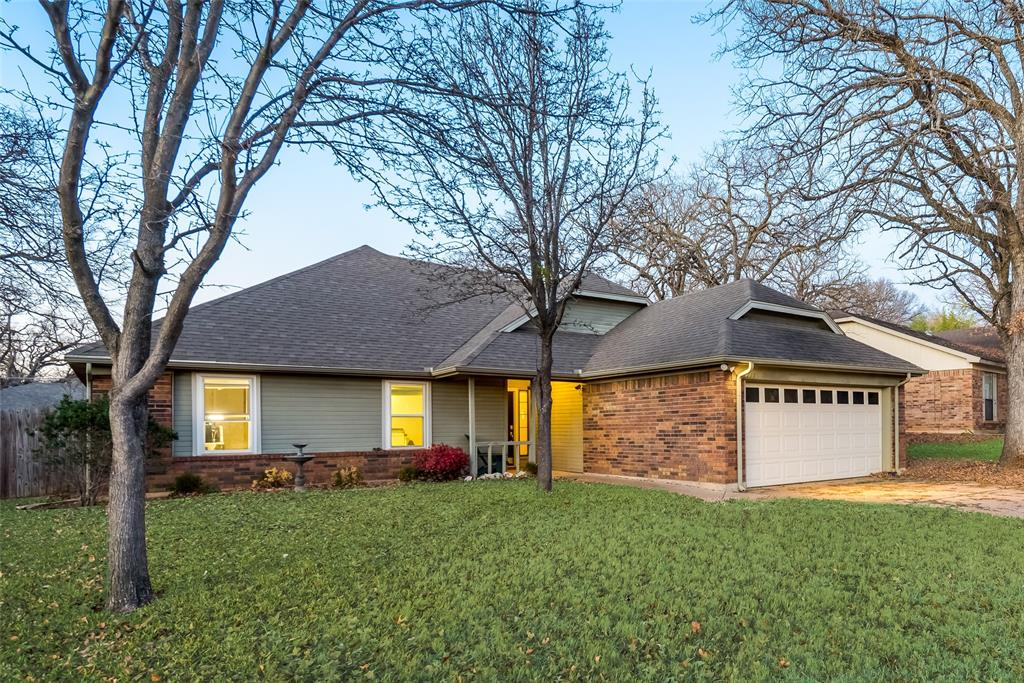 2111 Reverchon Drive, Arlington, Texas 76017 - acquisto real estate best flower mound realtor jody daley lake highalands agent of the year