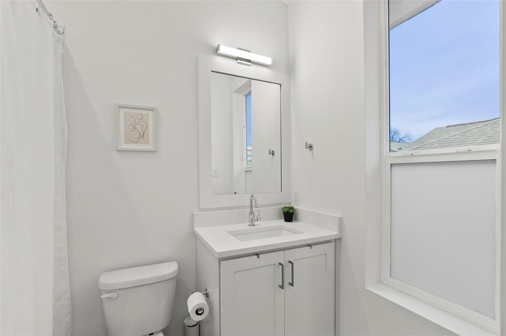 2226 Garrett Avenue, Dallas, Texas 75206 - acquisto real estate best frisco real estate broker in texas for high net worth buyers