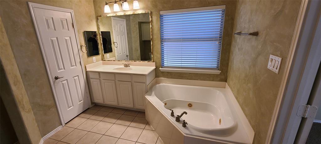 2811 Prado Grand Prairie, Texas 75054 - acquisto real estate best realtor foreclosure real estate mike shepeherd walnut grove realtor
