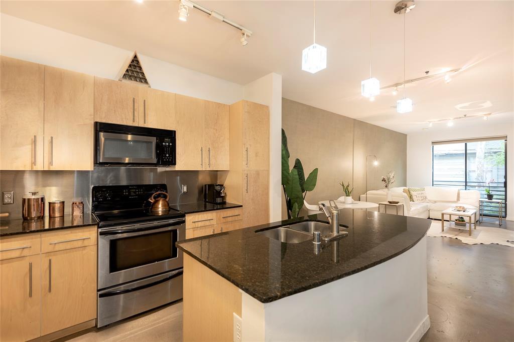 4111 Gilbert Avenue, Dallas, Texas 75219 - acquisto real estate best real estate company to work for