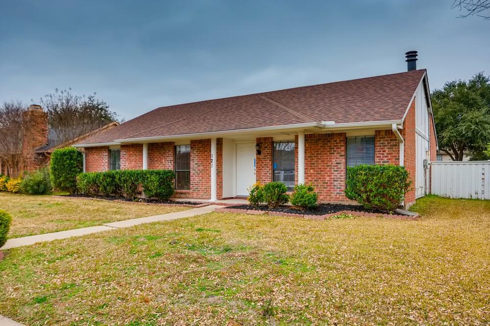 121 Kingsbridge Drive, Garland, Texas 75040 - Acquisto Real Estate best plano realtor mike Shepherd home owners association expert