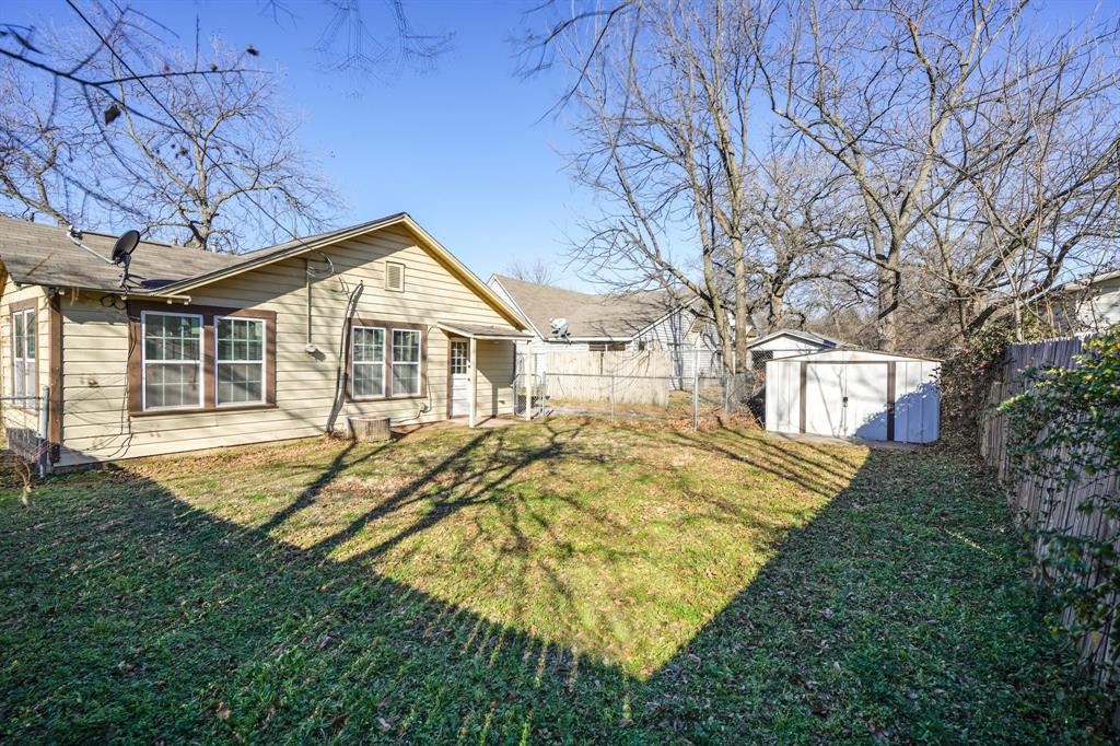 2014 Oak Avenue, Mineral Wells, Texas 76067 - acquisto real estate best frisco real estate agent amy gasperini panther creek realtor