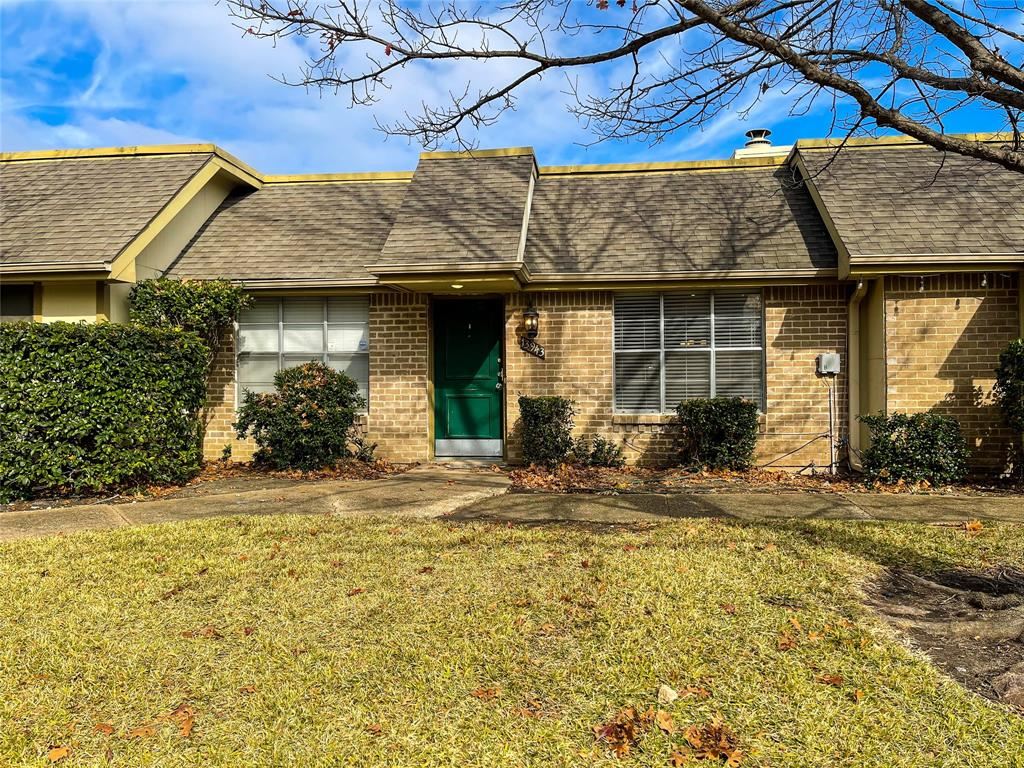 13943 Brookgreen Drive, Dallas, Texas 75240 - Acquisto Real Estate best plano realtor mike Shepherd home owners association expert