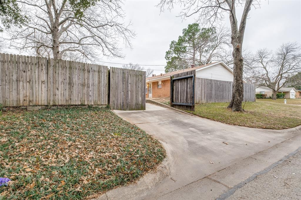 2401 Kingston Street, Arlington, Texas 76015 - acquisto real estate best photo company frisco 3d listings