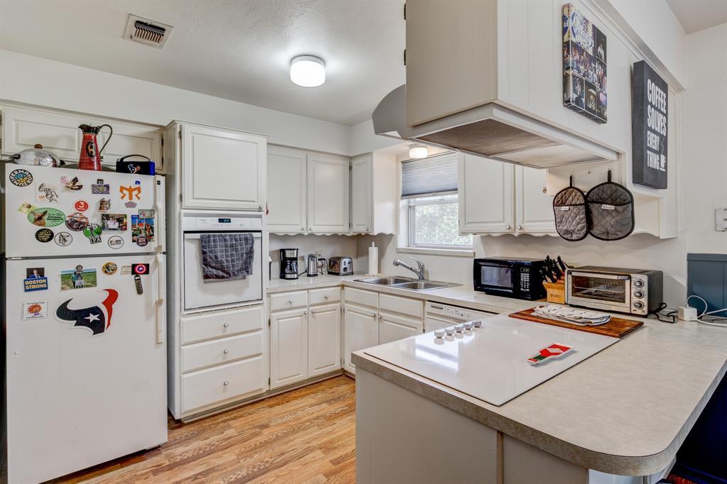 3825 Carman Drive, Benbrook, Texas 76116 - acquisto real estate best highland park realtor amy gasperini fast real estate service
