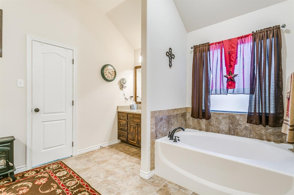 108 Chloe Court, Boyd, Texas 76023 - acquisto real estate best listing photos hannah ewing mckinney real estate expert