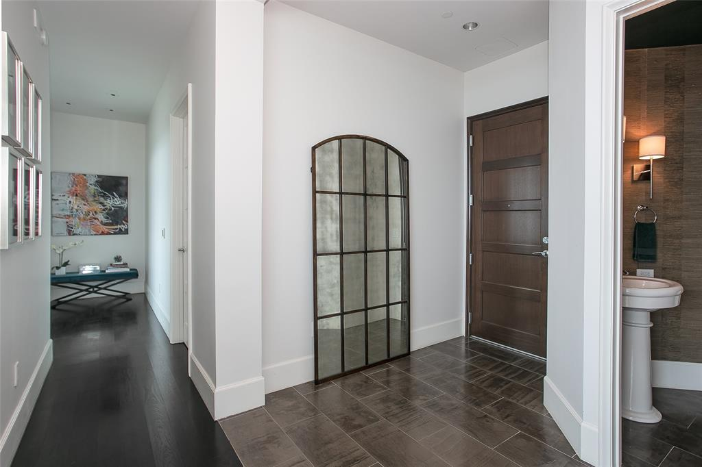 1301 Throckmorton  Street, Fort Worth, Texas 76102 - acquisto real estate best real estate company to work for