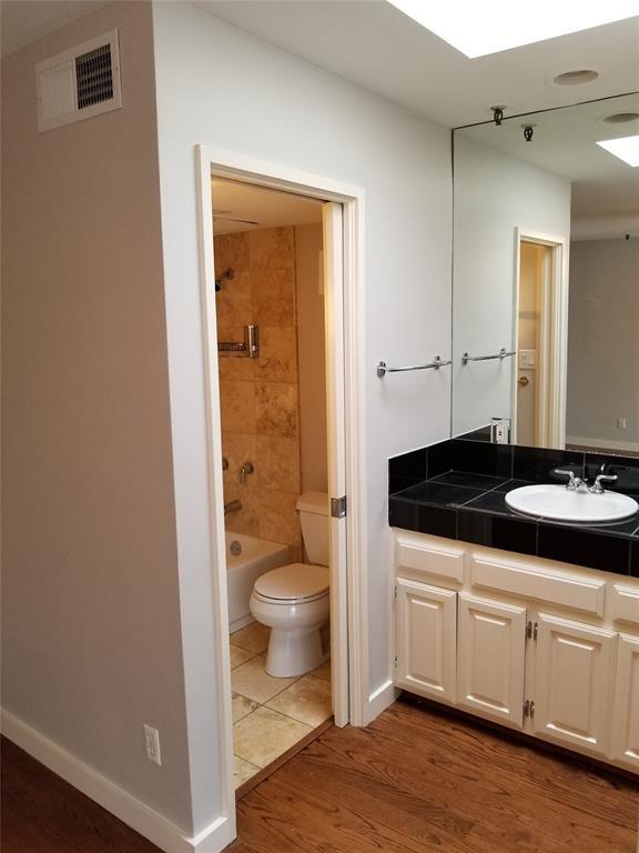 3906 Buena Vista Street, Dallas, Texas 75204 - acquisto real estate best celina realtor logan lawrence best dressed realtor