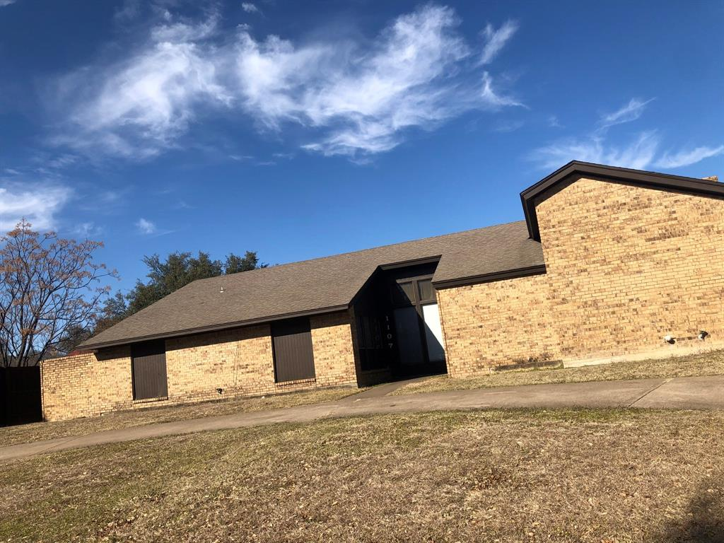 1107 Redman Lane, Duncanville, Texas 75137 - Acquisto Real Estate best frisco realtor Amy Gasperini 1031 exchange expert