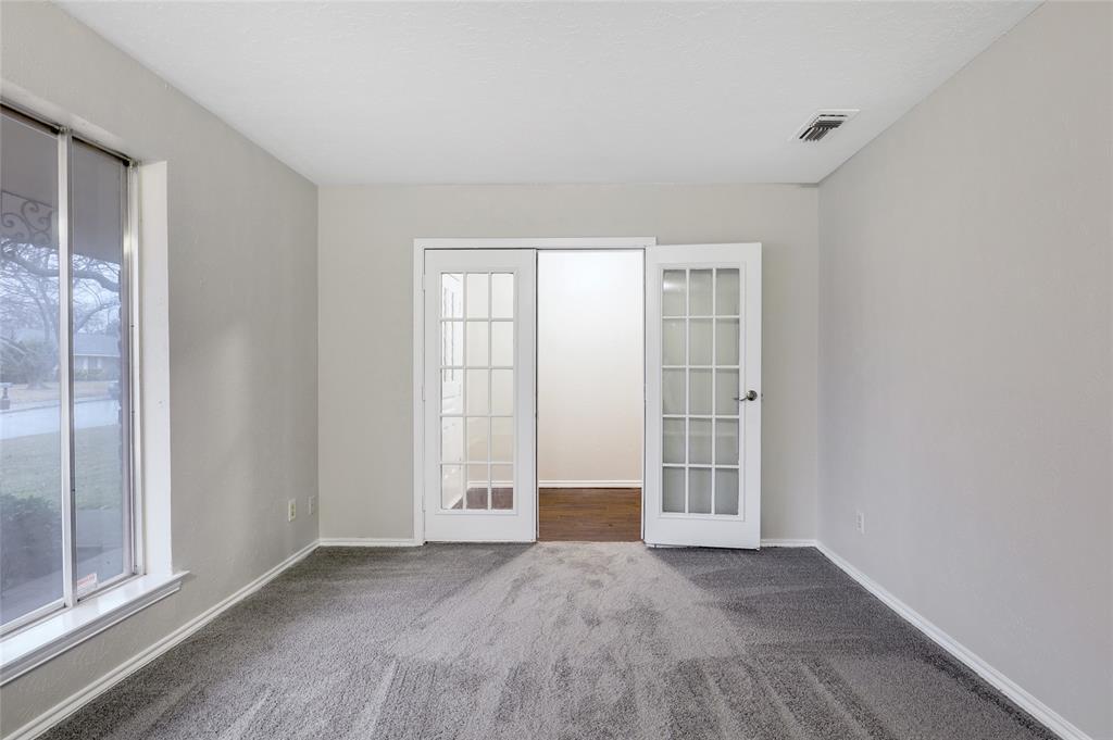 1240 Hanna Circle, DeSoto, Texas 75115 - acquisto real estate best realtor foreclosure real estate mike shepeherd walnut grove realtor