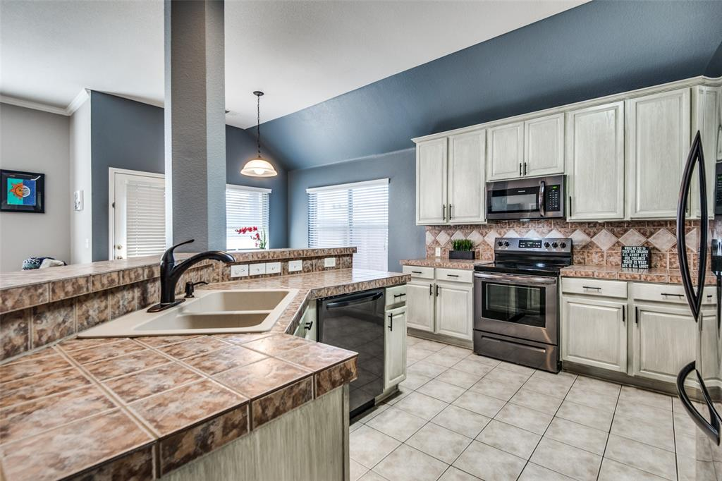 1056 Ponderosa Ridge, Little Elm, Texas 75068 - acquisto real estate best celina realtor logan lawrence best dressed realtor
