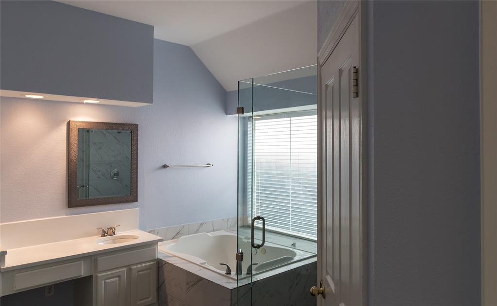 1404 Ranch Hill Drive, Irving, Texas 75063 - acquisto real estate best negotiating realtor linda miller declutter realtor