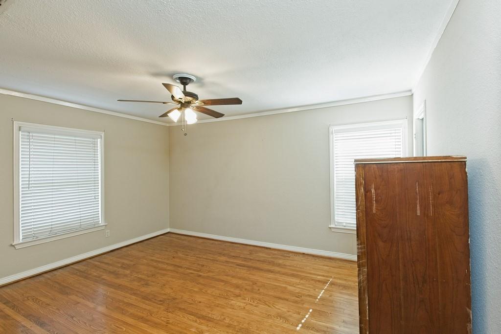 6324 Bordeaux Avenue, Dallas, Texas 75209 - acquisto real estate best realtor foreclosure real estate mike shepeherd walnut grove realtor