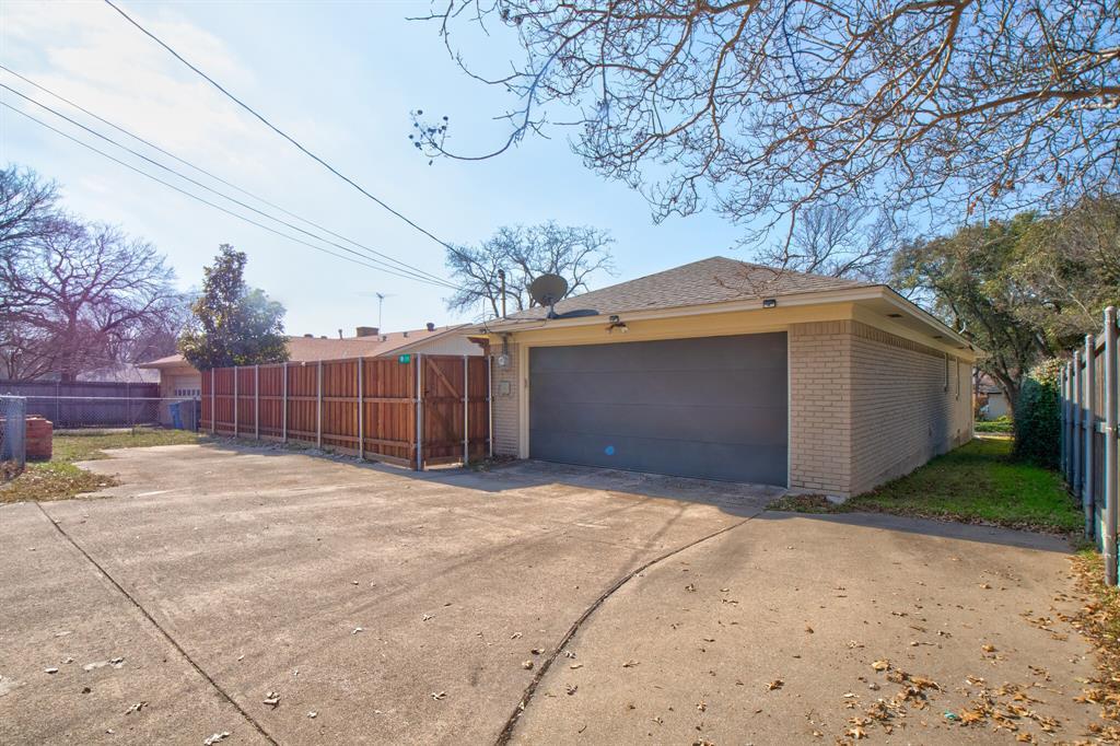 11916 Brookmeadow Lane, Dallas, Texas 75218 - acquisto real estate best realtor dfw jody daley liberty high school realtor