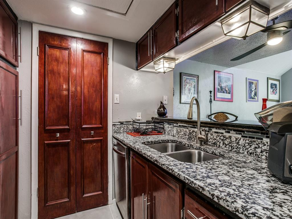 4627 Country Creek Drive, Dallas, Texas 75236 - acquisto real estate best photos for luxury listings amy gasperini quick sale real estate