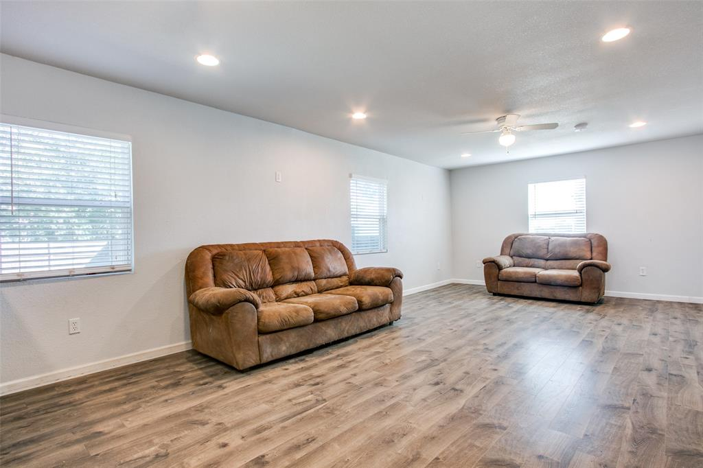 605 6th  Street, Justin, Texas 76247 - acquisto real estate best real estate company in frisco texas real estate showings
