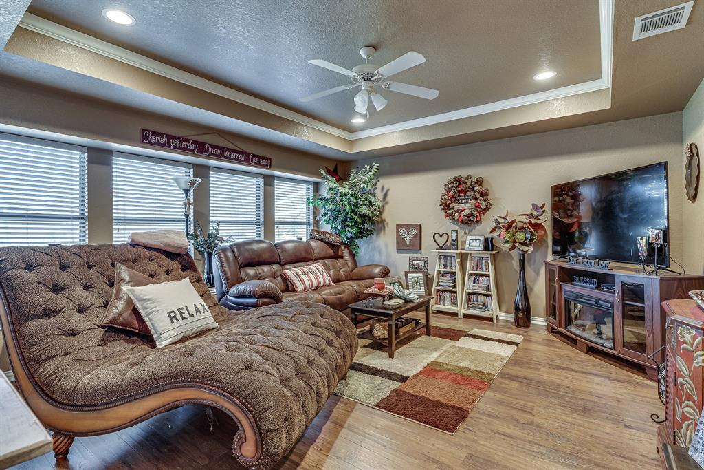 6041 Springer Way, Midlothian, Texas 76065 - acquisto real estaet best boutique real estate firm in texas for high net worth sellers
