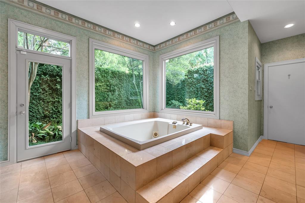 10131 Hollow Way Road, Dallas, Texas 75229 - acquisto real estate best listing agent in the nation shana acquisto estate realtor