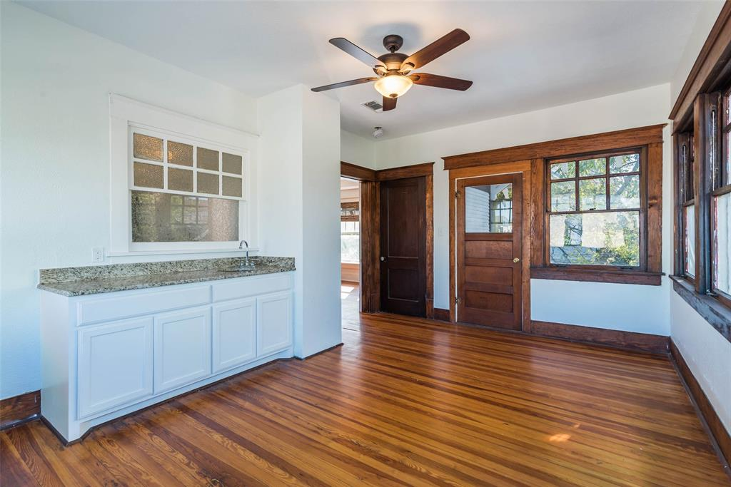 602 Travis Street, Sherman, Texas 75090 - acquisto real estate best frisco real estate agent amy gasperini panther creek realtor