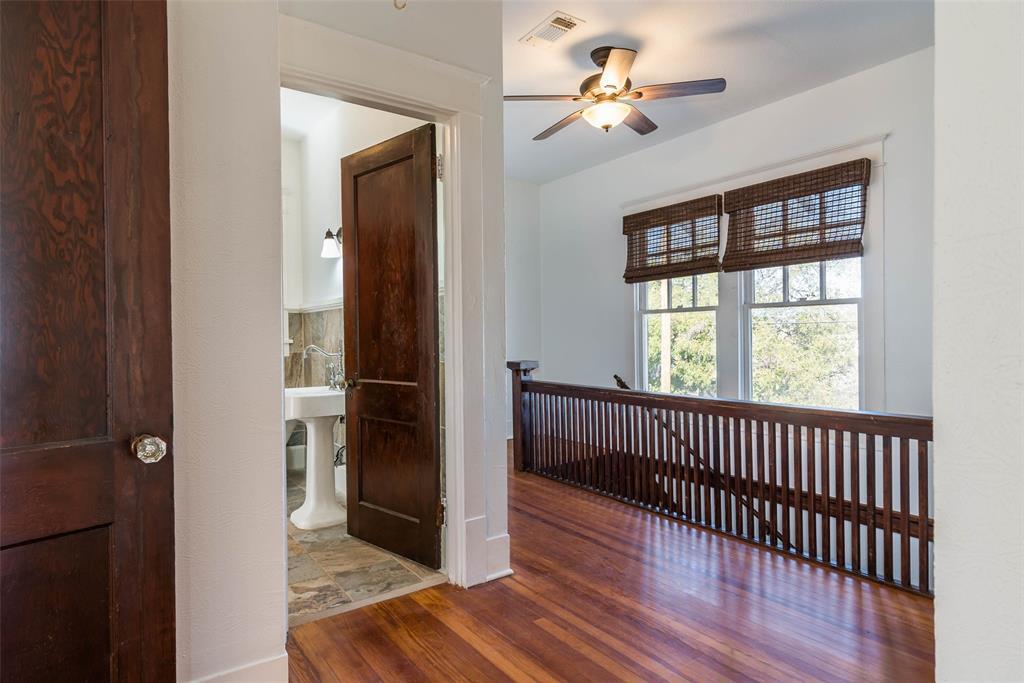 602 Travis Street, Sherman, Texas 75090 - acquisto real estate best plano real estate agent mike shepherd