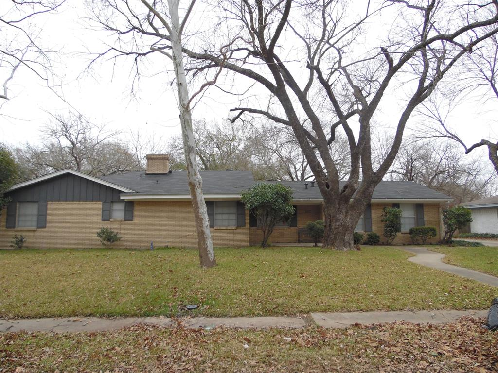1007 Royal Drive, Kaufman, Texas 75142 - Acquisto Real Estate best plano realtor mike Shepherd home owners association expert