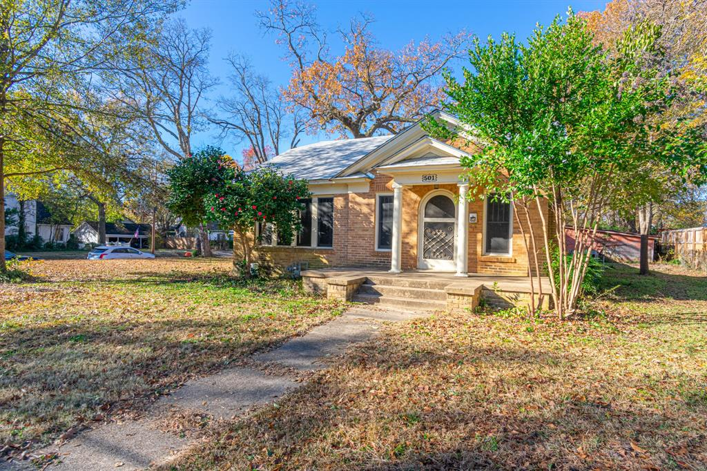 501 Sycamore Street, Mineola, Texas 75773 - acquisto real estate best investor home specialist mike shepherd relocation expert
