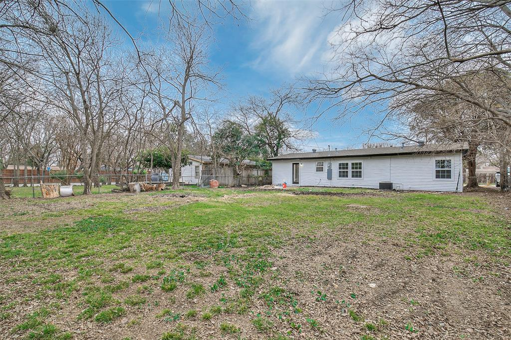 2710 Gross Road, Dallas, Texas 75228 - acquisto real estate best realtor foreclosure real estate mike shepeherd walnut grove realtor