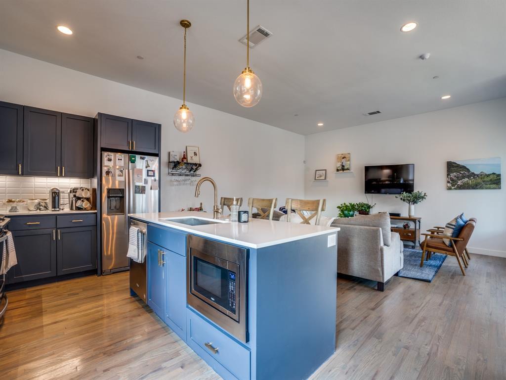 2115 Bennett Avenue, Dallas, Texas 75206 - acquisto real estate best prosper realtor susan cancemi windfarms realtor