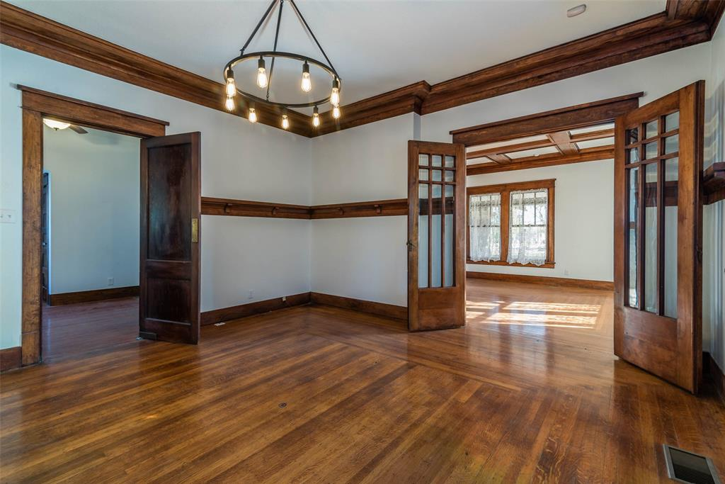 602 Travis Street, Sherman, Texas 75090 - acquisto real estate best real estate company to work for
