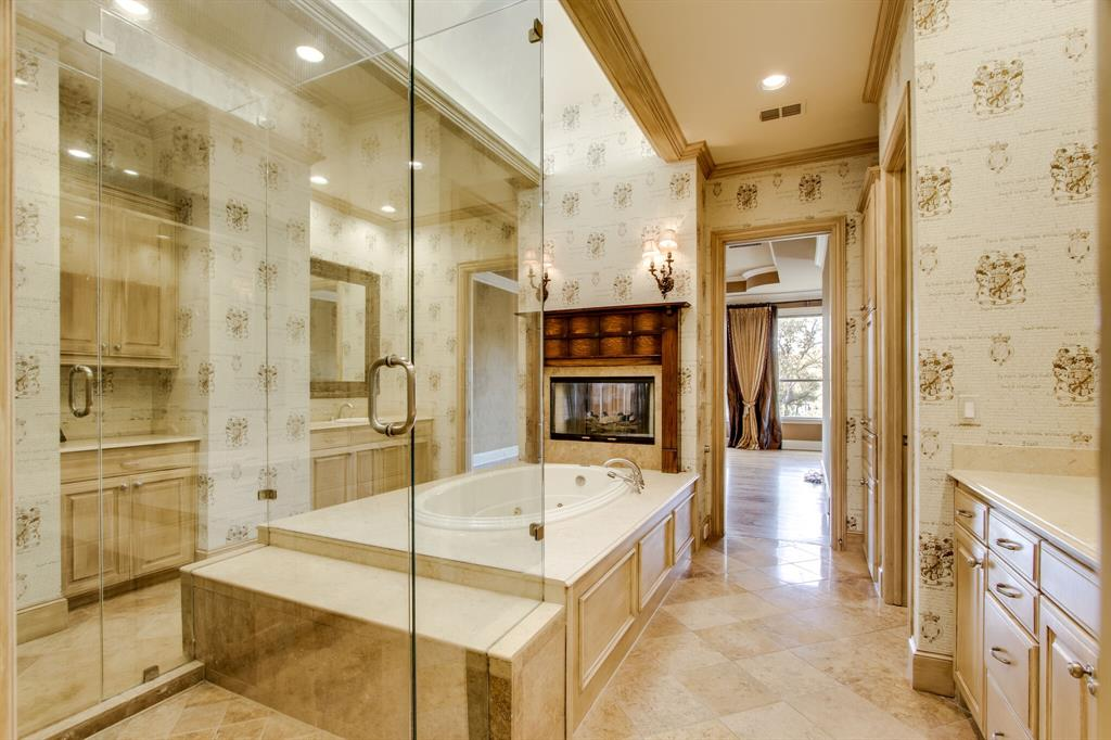 401 Fall Creek Drive, Richardson, Texas 75080 - acquisto real estaet best boutique real estate firm in texas for high net worth sellers