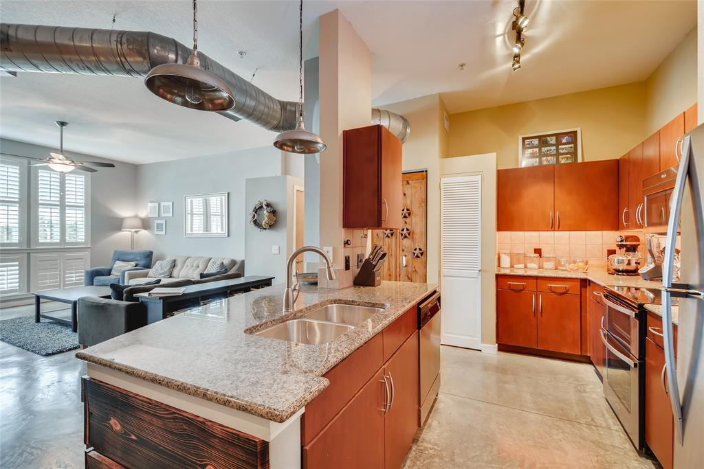 201 Lancaster Avenue, Fort Worth, Texas 76102 - acquisto real estate best real estate company in frisco texas real estate showings