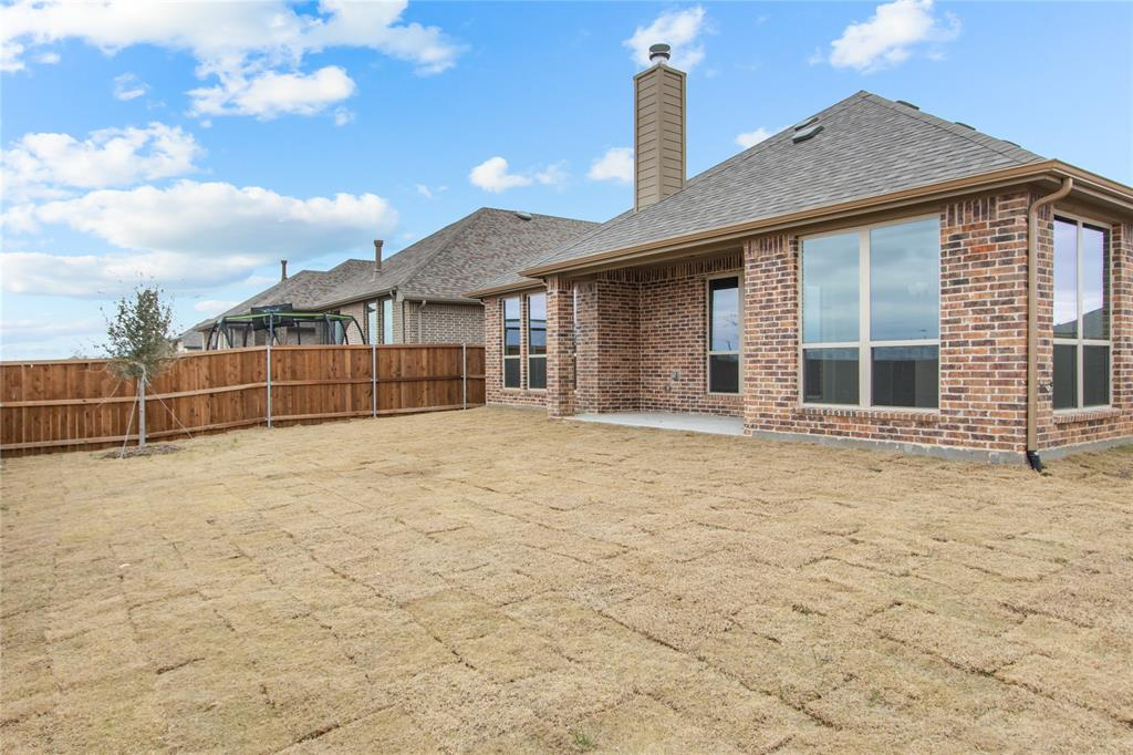 1528 Jocelyn Drive, Fort Worth, Texas 76052 - acquisto real estate best plano real estate agent mike shepherd