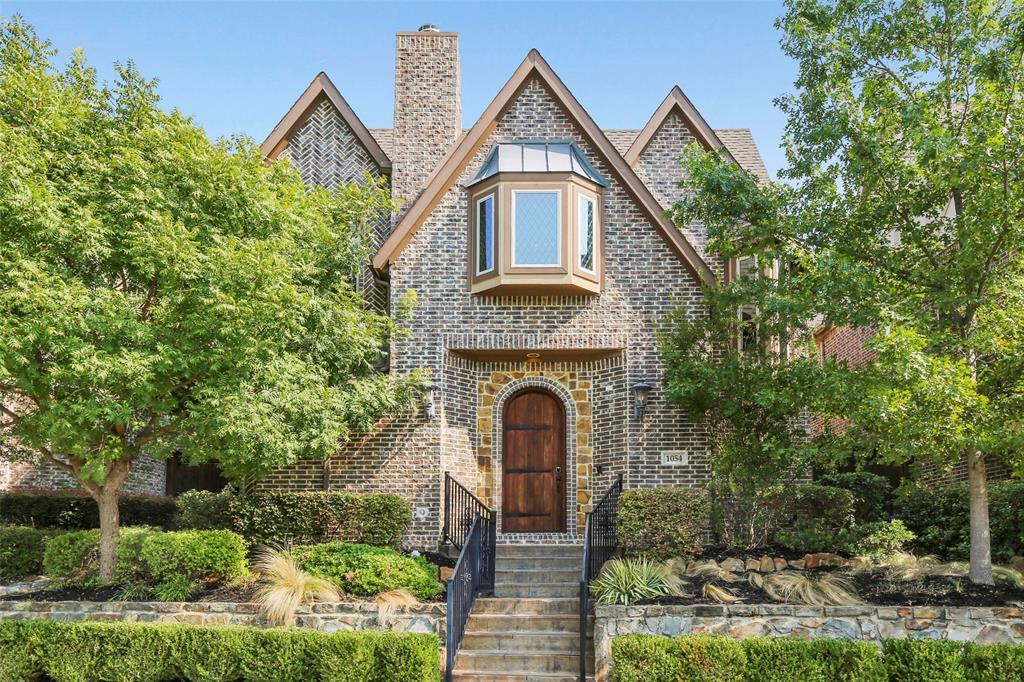 1054 Shadyside Lane, Dallas, Texas 75223 - Acquisto Real Estate best plano realtor mike Shepherd home owners association expert