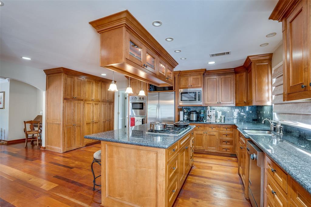 6931 Currin Drive, Dallas, Texas 75230 - acquisto real estate best photos for luxury listings amy gasperini quick sale real estate
