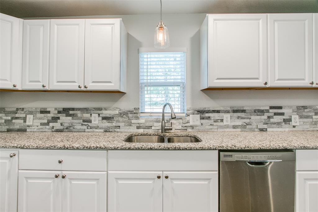 605 6th  Street, Justin, Texas 76247 - acquisto real estate best style realtor kim miller best real estate reviews dfw