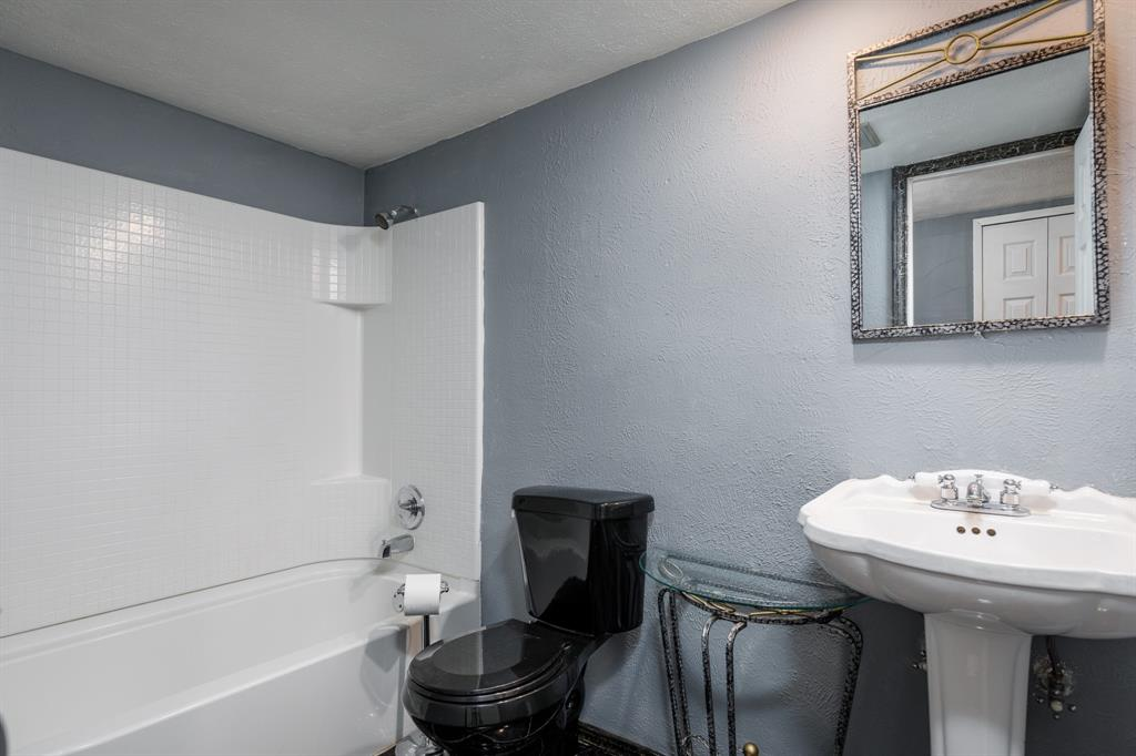 800 Rolling ridge Drive, Allen, Texas 75002 - acquisto real estate best new home sales realtor linda miller executor real estate