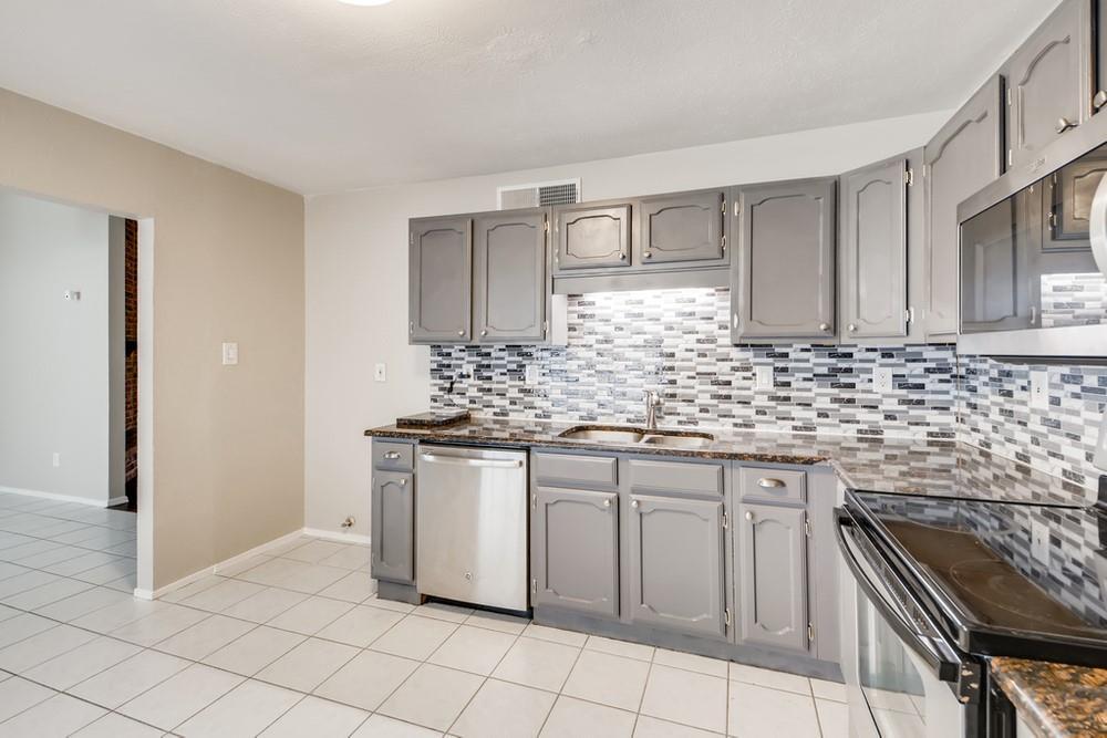 121 Kingsbridge Drive, Garland, Texas 75040 - acquisto real estate best listing agent in the nation shana acquisto estate realtor