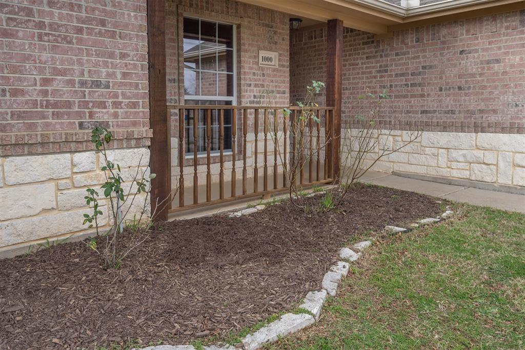 1000 Jenny Drive, Keene, Texas 76031 - acquisto real estate best the colony realtor linda miller the bridges real estate