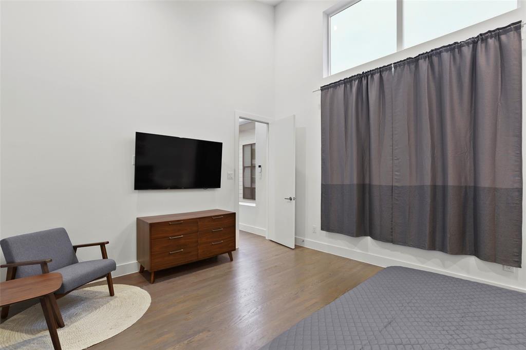 2226 Garrett Avenue, Dallas, Texas 75206 - acquisto real estate best photos for luxury listings amy gasperini quick sale real estate
