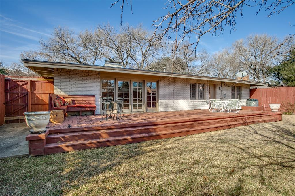 6840 Whitehill Street, Dallas, Texas 75231 - acquisto real estate best realtor westlake susan cancemi kind realtor of the year